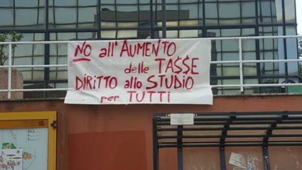 Protesta tasse Unical